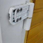 Як відрегулювати вхідні металеві двері