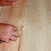 Як постелити лінолеум на дерев'яну підлогу
