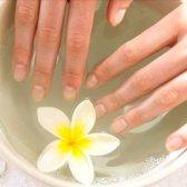 Як зробити нігті білими