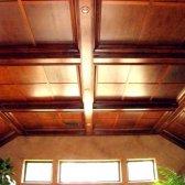 Як зробити стелю в дерев'яному будинку