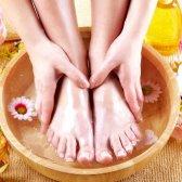 Як видалити запах з взуття