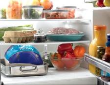 Як позбавитися від запаху в холодильнику
