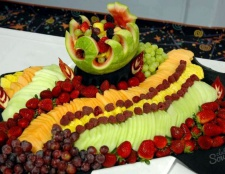 Як красиво нарізати фрукти