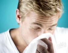 Як зупинити кров з носа