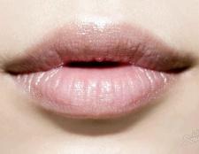 Як підняти куточки губ