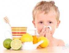 Як промити ніс дитині