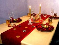 Як прикрасити стіл на новий рік
