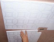 Тріщіні на стелі, що робити